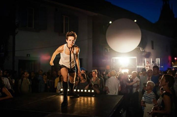 HIT ME HARD – performance explosive à la Fête de la danse de Genève